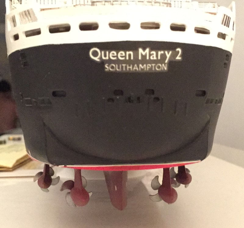 construction du queen mary 2 au 1/400 de chez revell - Page 12 Img_1256