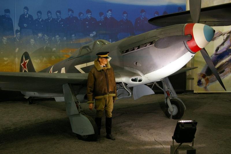 Avions de la seconde guerre mondiale - Page 8 Yack10