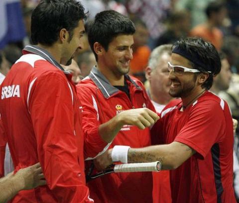 Davis Cup... - Page 4 13221710