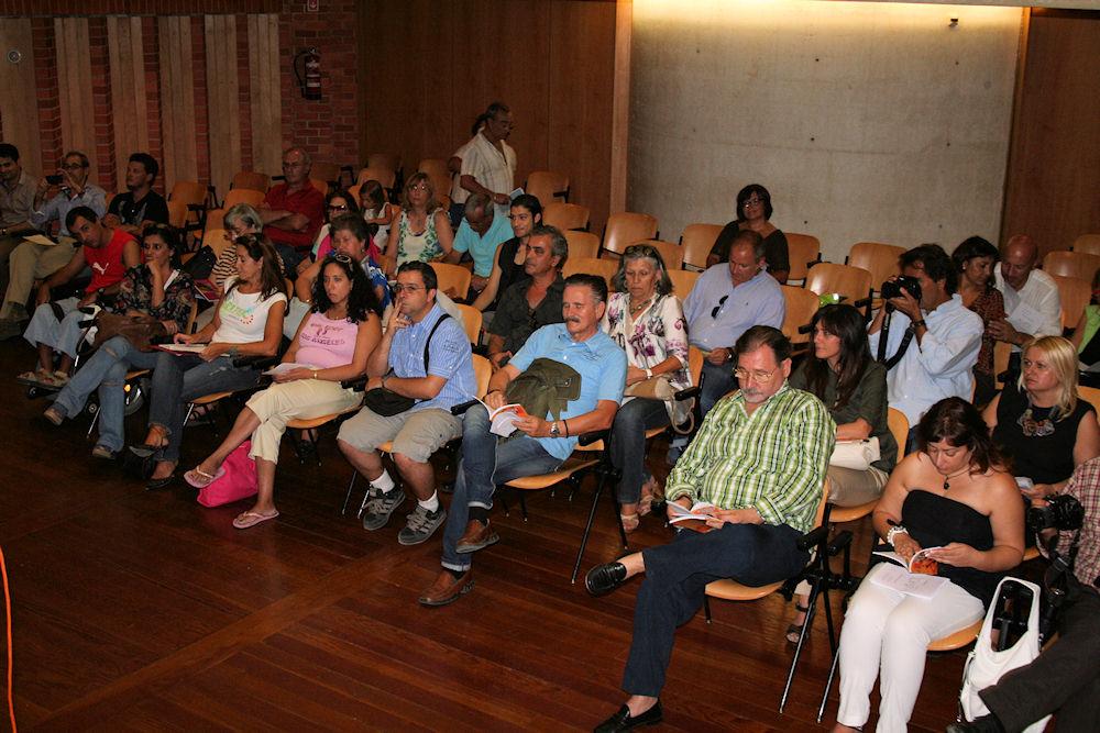 """Convite: Lançamento do livro: """"Há o silêncio em Volta"""" - autor: Álvaro Giesta  20120913"""