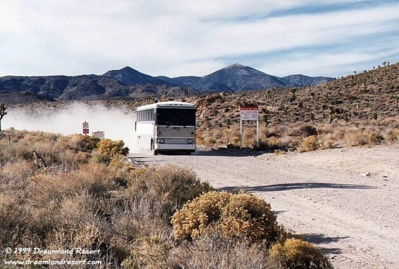 Dreamland, la Zone 51 (plusieurs photos et plusieurs vidéos/documentaire) Bus_110