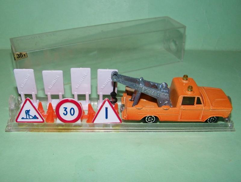 N°351 Dodge dépanneuse + signaux 351_si10