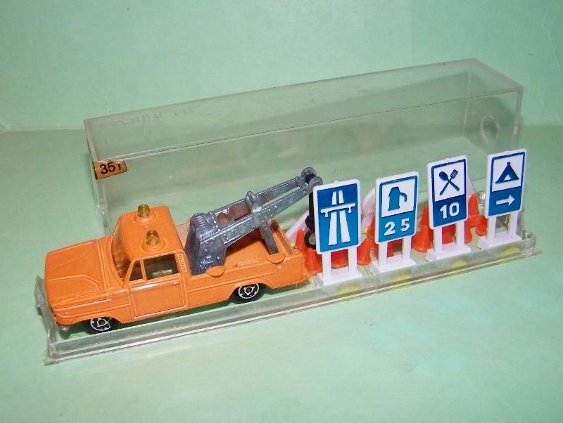 N°351 Dodge dépanneuse + signaux 351_si11