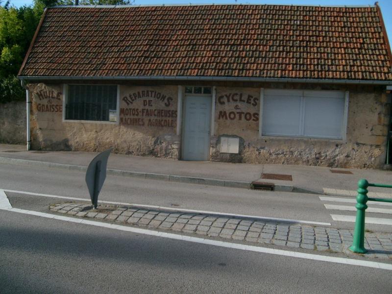 Les anciennes publicités dans les Vosges S7301010