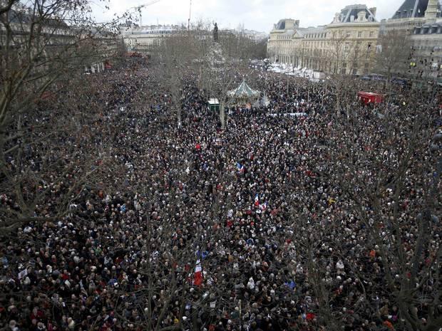 Attentats Charlie Hebdo et Hyper Casher - Page 2 Paris-10