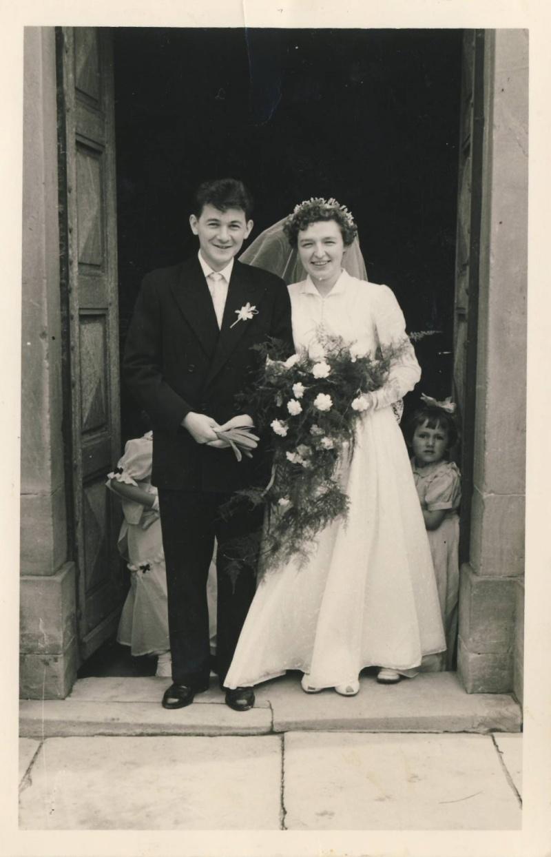 Mariage à Wangen fin des années 1950 : reconnaissez-vous les mariés? La famille? Des invités? Image011