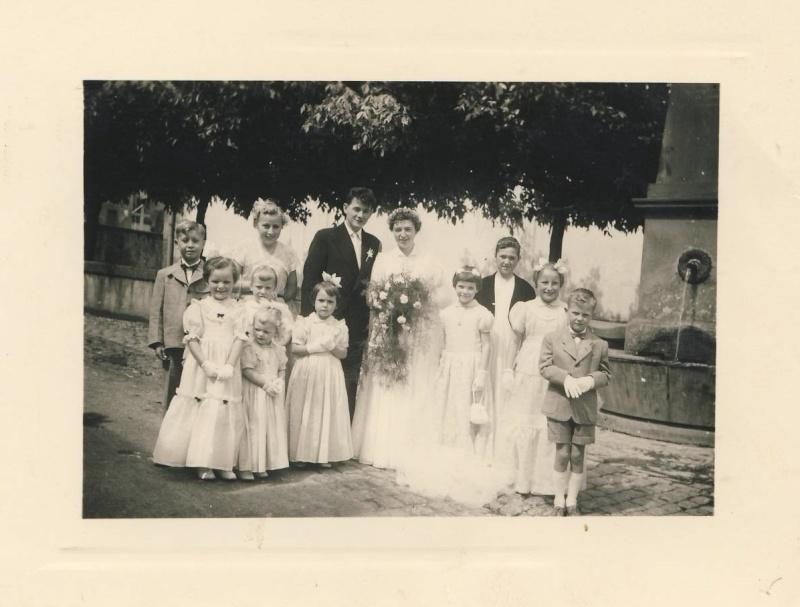 Mariage à Wangen fin des années 1950 : reconnaissez-vous les mariés? La famille? Des invités? Image012