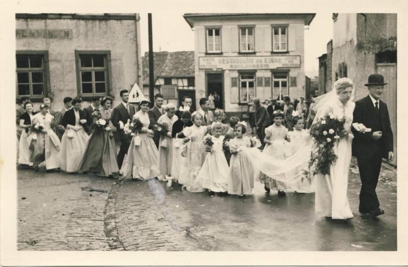 Mariage à Wangen fin des années 1950 : reconnaissez-vous les mariés? La famille? Des invités? Image014