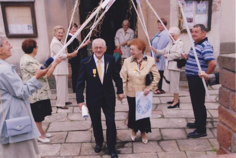Mariage à Wangen fin des années 1950 : reconnaissez-vous les mariés? La famille? Des invités? Image015