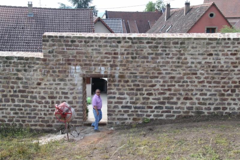 Chantier d'insertion pour la restauration du mur d'enceinte de Wangen - Page 2 Img_9871
