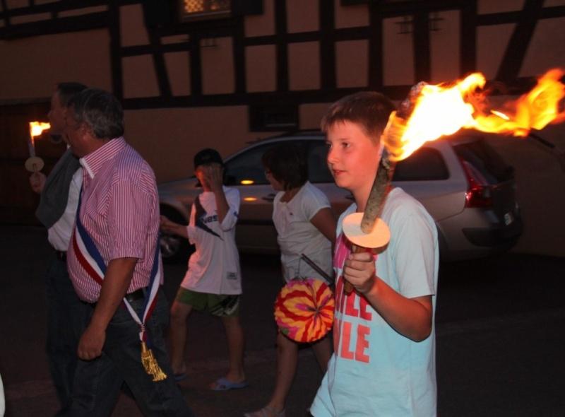 Wangen : retraite aux flambeaux et bal populaire du 13 juillet 2013 Img_9948