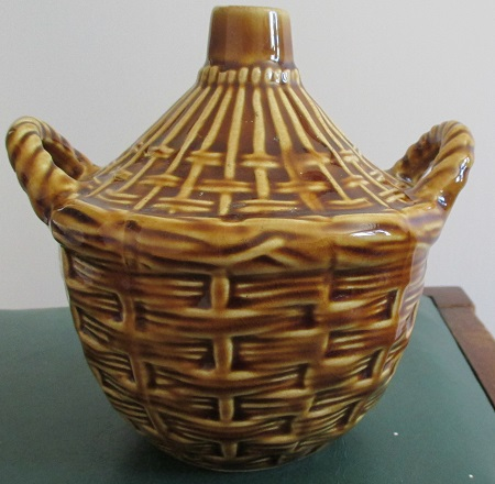 Wine basket stamped no.472 with a capital C.  This is not New Zealand pottery. Wine_j10