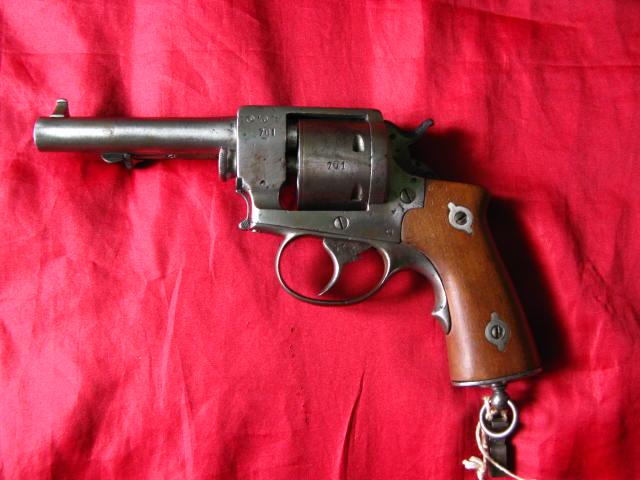 panorama des armes de poing réglementaires en categorie D  Poudre10