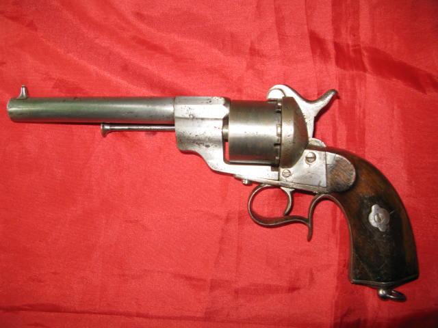 panorama des armes de poing réglementaires en categorie D  Poudre11