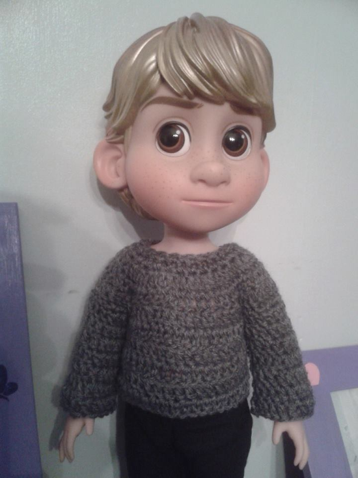 tenues/confections pour poupées disney - Page 2 Pull_k10