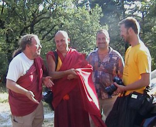 Visite de Dilgo Khyentsé Yangsi Rinpoché - Page 2 M_0211