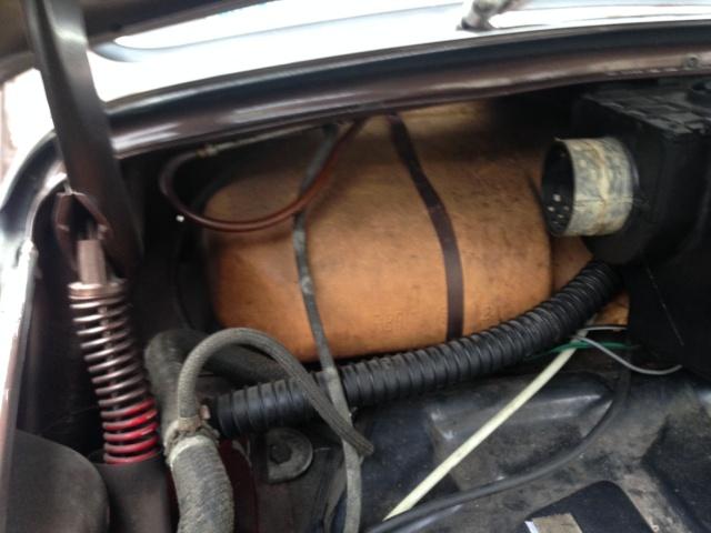 raccord chauffage coffre avant  - Page 2 Photo_20