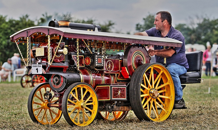 The One Show BBC1 7pm Tonight  - Steam Traction World Showman's built by Colin Alexander Colin_12