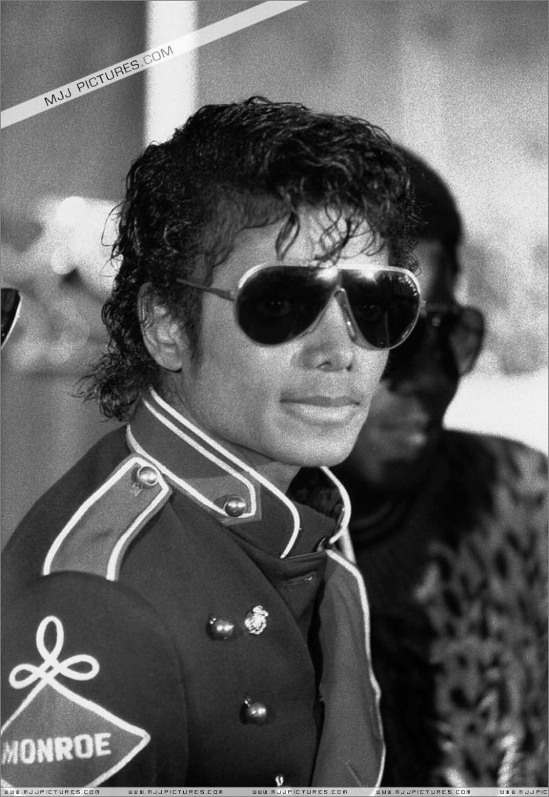 [SONDAGGIO] Qual è il Michael che vi piace di più? Djdjdj10