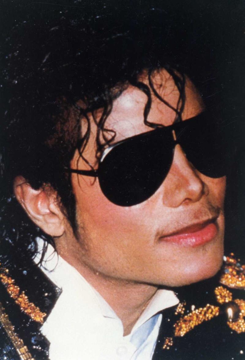 [SONDAGGIO] Qual è il Michael che vi piace di più? Img37610