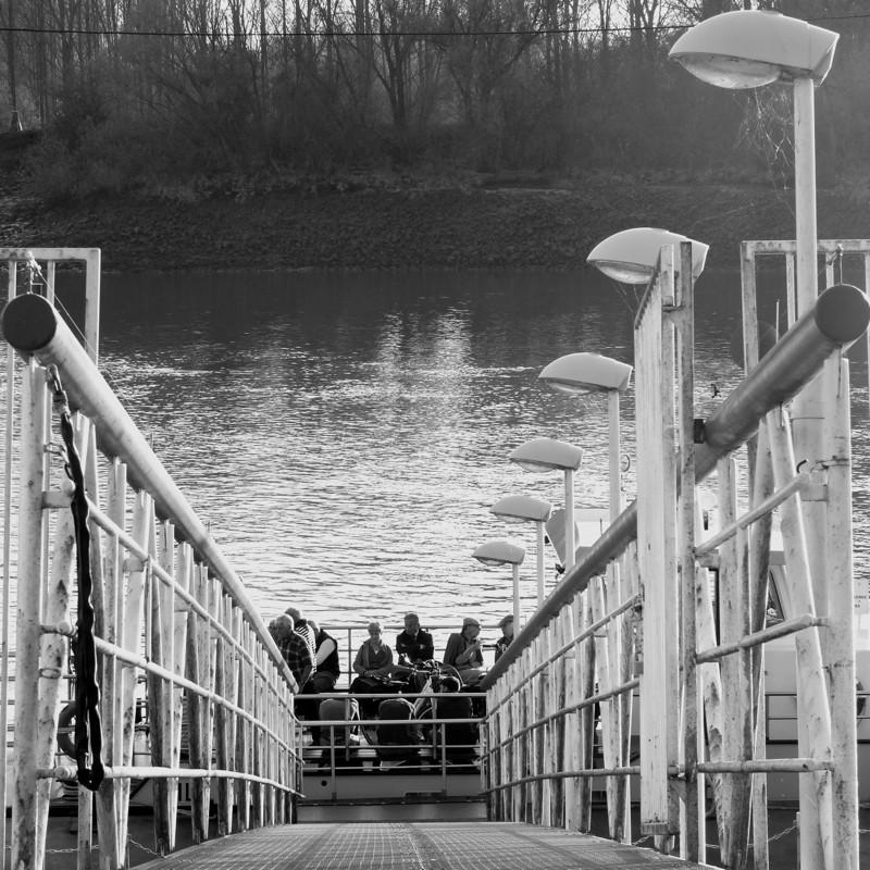 Traversee du bac sur le fleuve P1170210