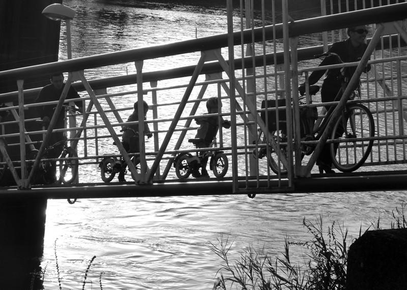 Traversee du bac sur le fleuve P1170211