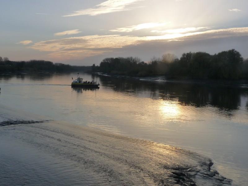 Traversee du bac sur le fleuve P1170212