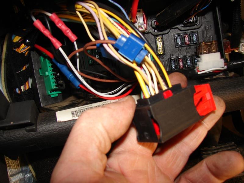 Tuto de montage d'un kit de commande de centralisation a distance 206  Dsc06215