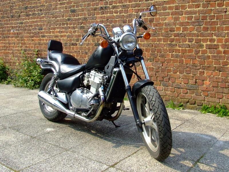 VOS JOUETS A L'ECHELLE 1 : ici, vos motos, jet, voitures - Page 3 Dscf9911