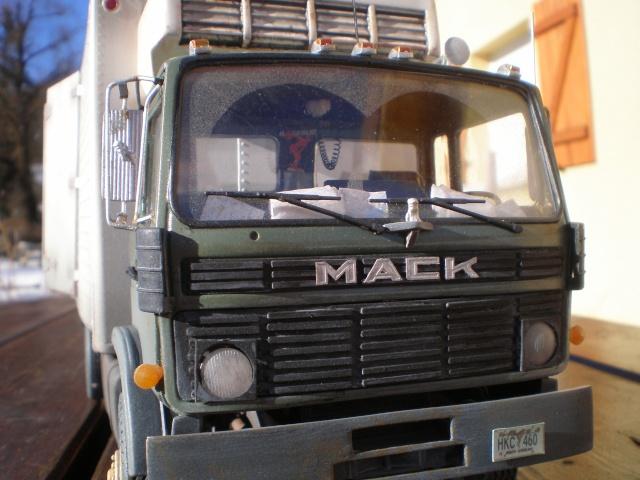 mack renault midliner P1011613