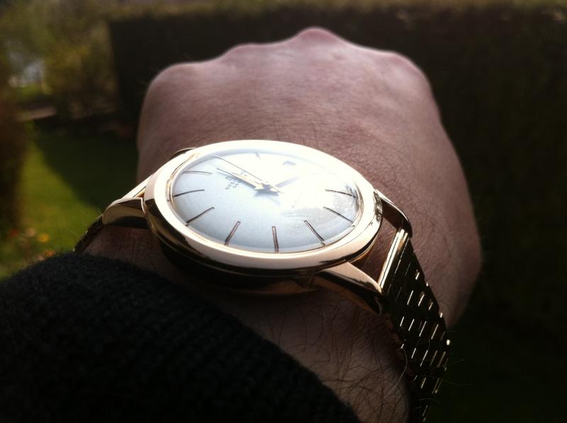 Vos plus belles montres habillées en or rose ou jaune Img_0310