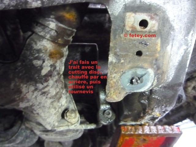 Truc boulon de link brisé dans le body Fyv20113