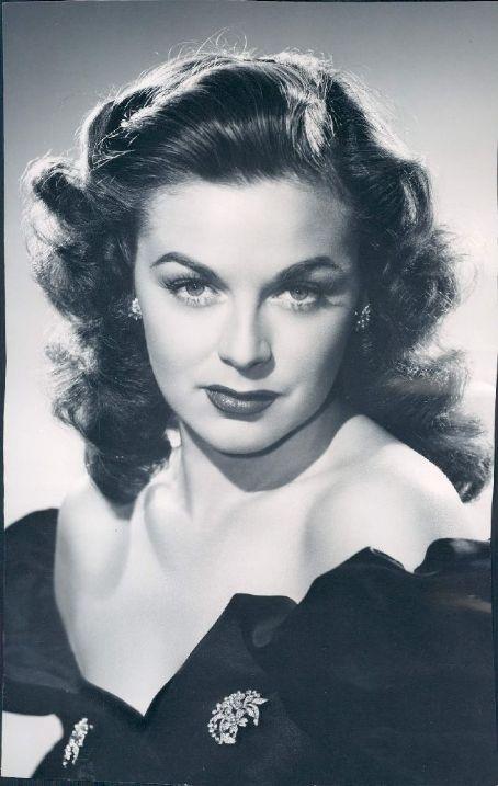 01 octobre 1943 - Marguerite Chapman 028n7010