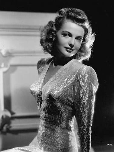 22 octobre 1943 - Elyse Knox Elyse110