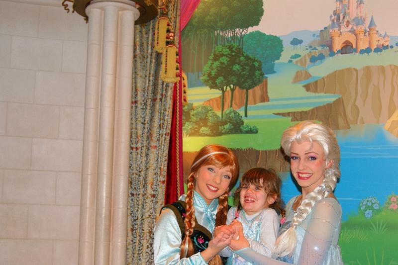 Princess Pavilion avec Anna et Elsa - Page 6 Alyca_10