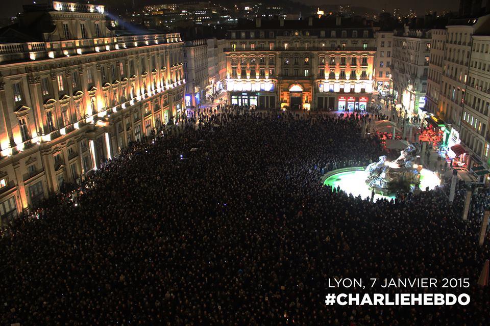 ATTENTAT à Charlie Hebdo : 12 morts. - Page 2 Cc21