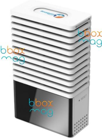 Une Bbox Mini de la taille d'un CPL en préparation chez Bouygues Telecom Bboxmi10