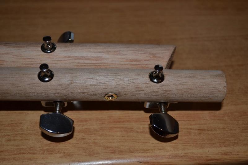 Lap Steel Cigar Box Guitar  Dsc_0810