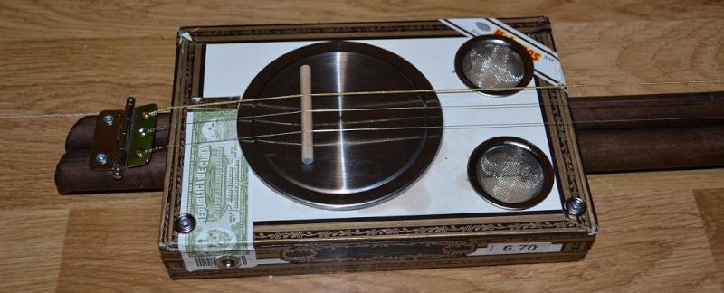 Lap Steel Cigar Box Guitar  Dsc_1318