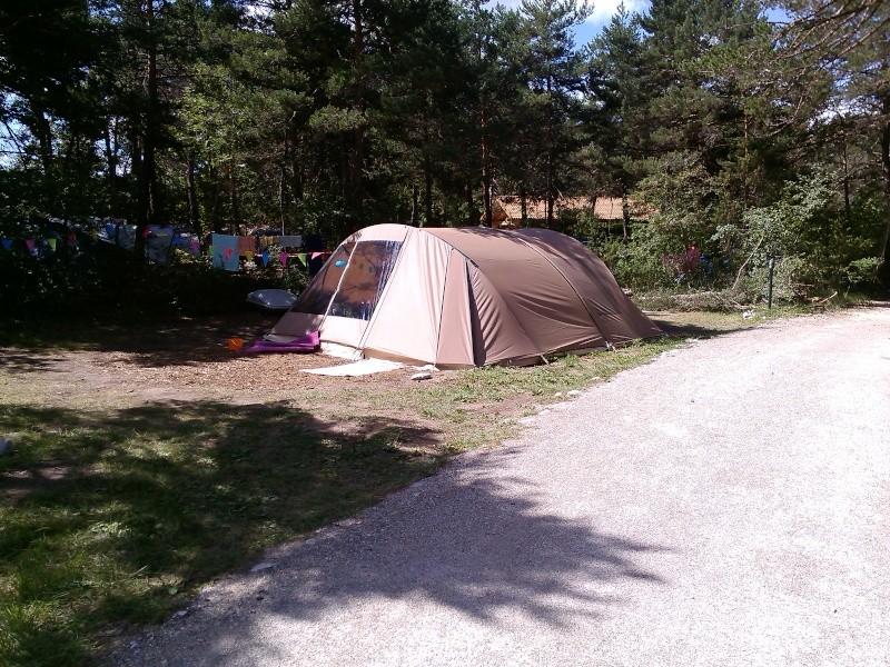 Quelles tentes ont un minimum de drisses à installer Img_2010
