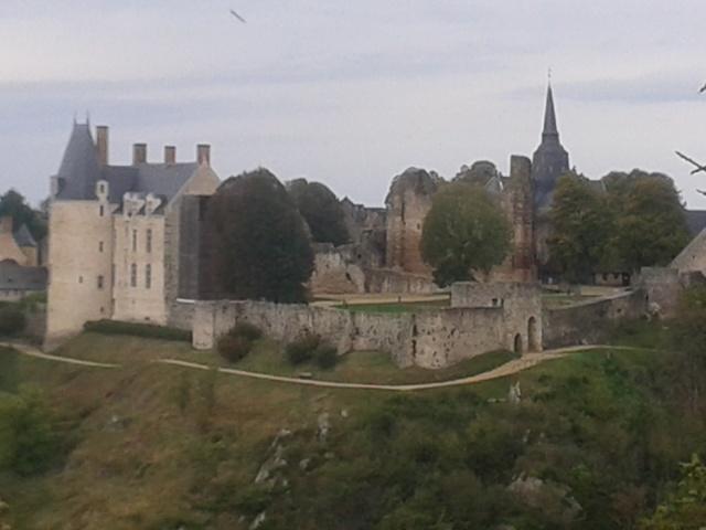 Séjour à Ste Suzanne (Mayenne) 20141013