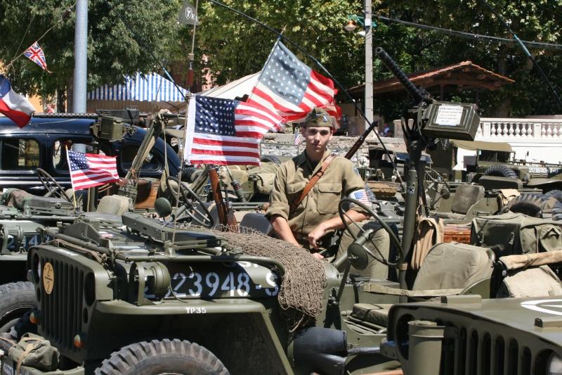 photos prie par mai soin de véhicule militaire ancien pour la fête de la libération du MUY Img_6011