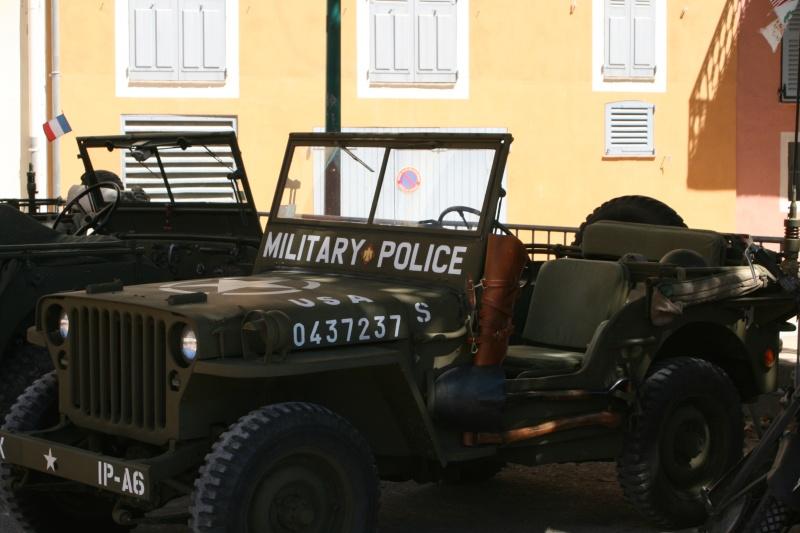 photos prie par mai soin de véhicule militaire ancien pour la fête de la libération du MUY Img_6013