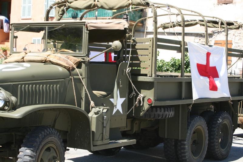 photos prie par mai soin de véhicule militaire ancien pour la fête de la libération du MUY Img_6015