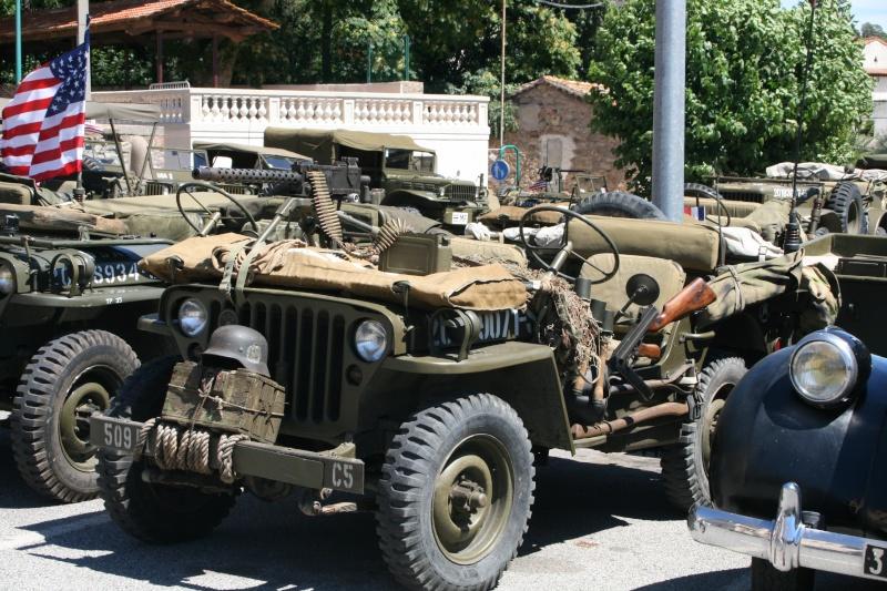 photos prie par mai soin de véhicule militaire ancien pour la fête de la libération du MUY Img_6016