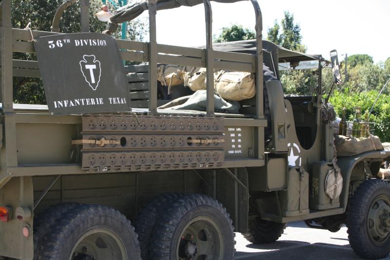 photos prie par mai soin de véhicule militaire ancien pour la fête de la libération du MUY Img_6018