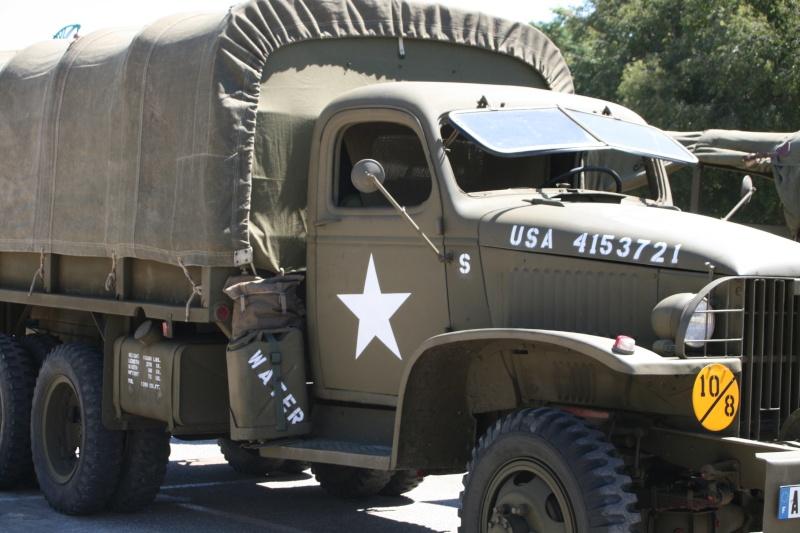 photos prie par mai soin de véhicule militaire ancien pour la fête de la libération du MUY Img_6019