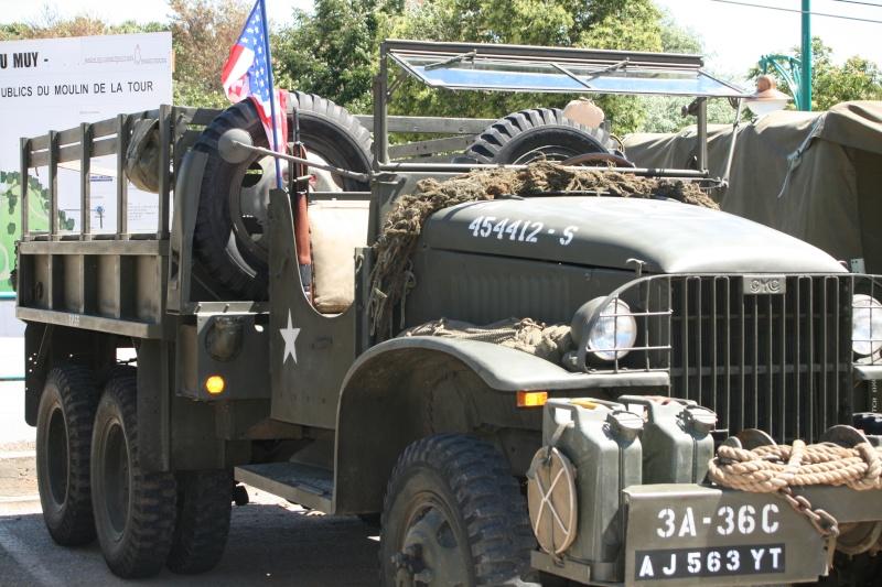 photos prie par mai soin de véhicule militaire ancien pour la fête de la libération du MUY Img_6021