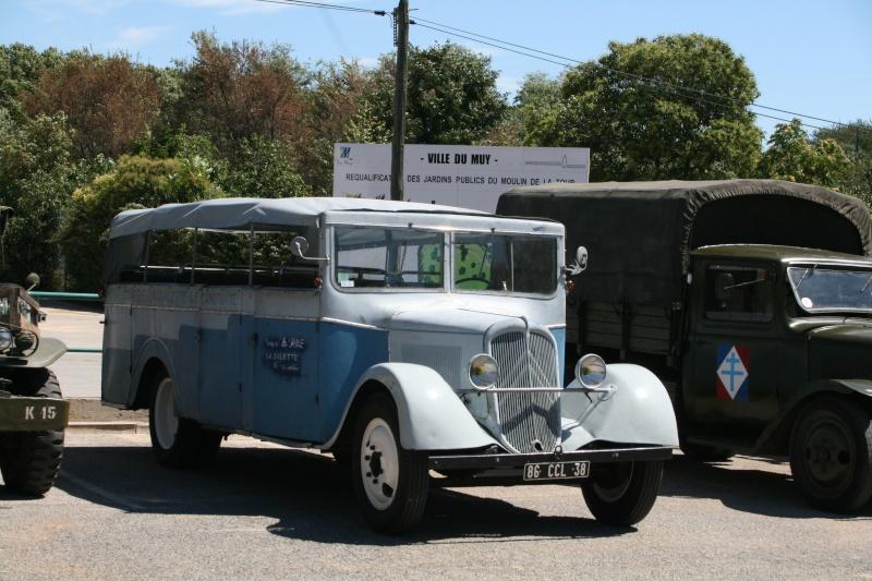 photos prie par mai soin de véhicule militaire ancien pour la fête de la libération du MUY Img_6023