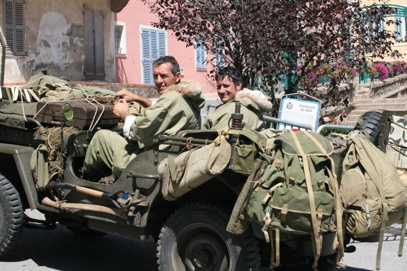 photos prie par mai soin de véhicule militaire ancien pour la fête de la libération du MUY Img_6026